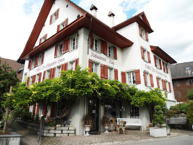 6404 Greppen, Historisches, charmentes 12 1/2-Zimmer Wohnhaus