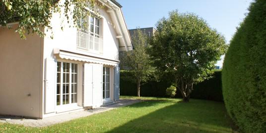 6312 Steinhausen, Sehr grosszügiges 6 1/2 Zimmer-Einfamilienhaus im Landhausstil