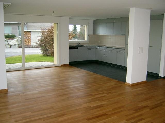 6074 Giswil, Exklusive 4 1/2-Zimmer Gartenwohnung