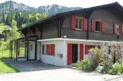 Charmantes, heimeliges 4½-Zimmer DEFH-Chalet mit Wintergarten