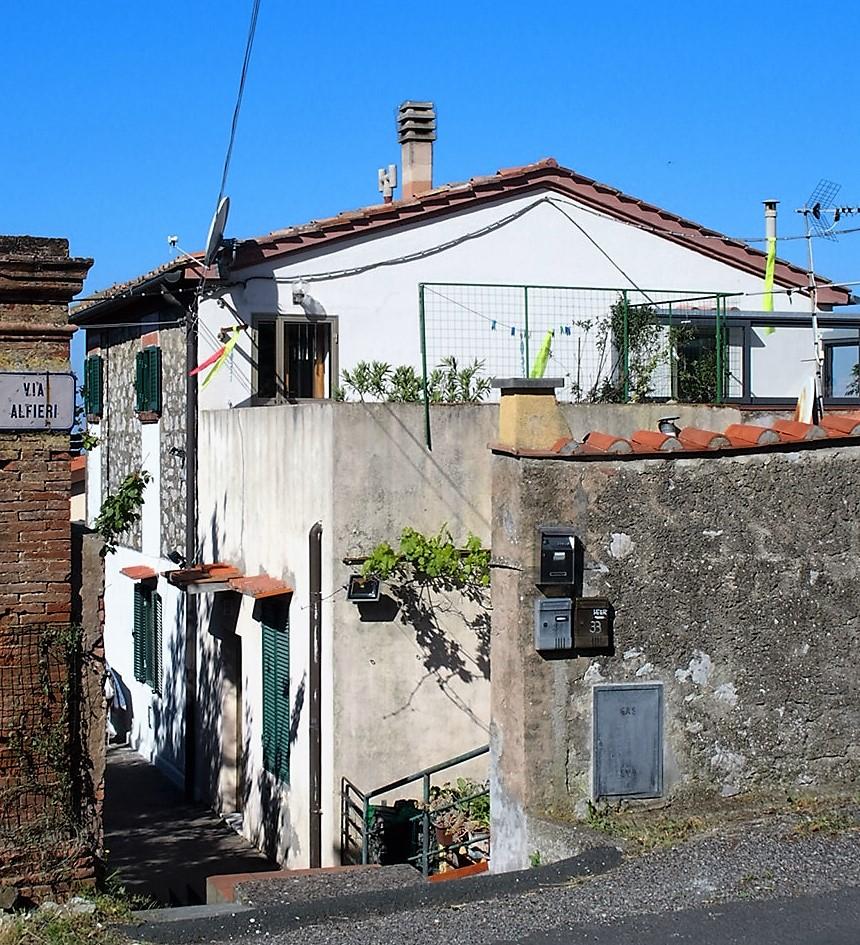 Charmante 2.5-Zimmer Wohnung mit toskanischem Flair